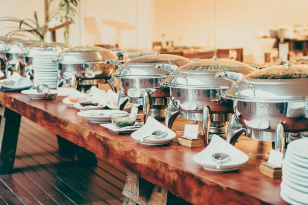 cena cateringa na osebo